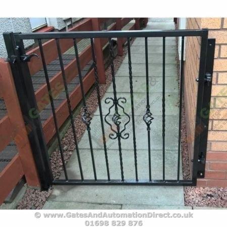 Metal Path Garden Gate 001