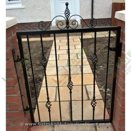 Metal Path Garden Gate 002
