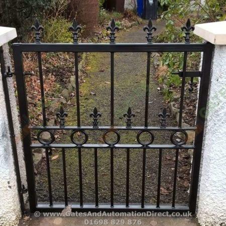 Metal Path Garden Gate 004