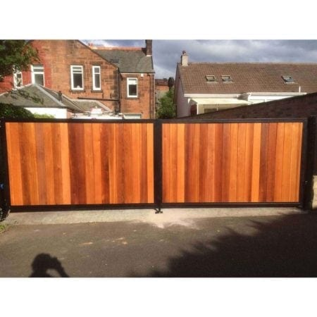 Tall Metal & Timber Driveway Gate 007