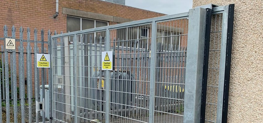 commercial  mesh sliding tracked gate electric 2_compressed
